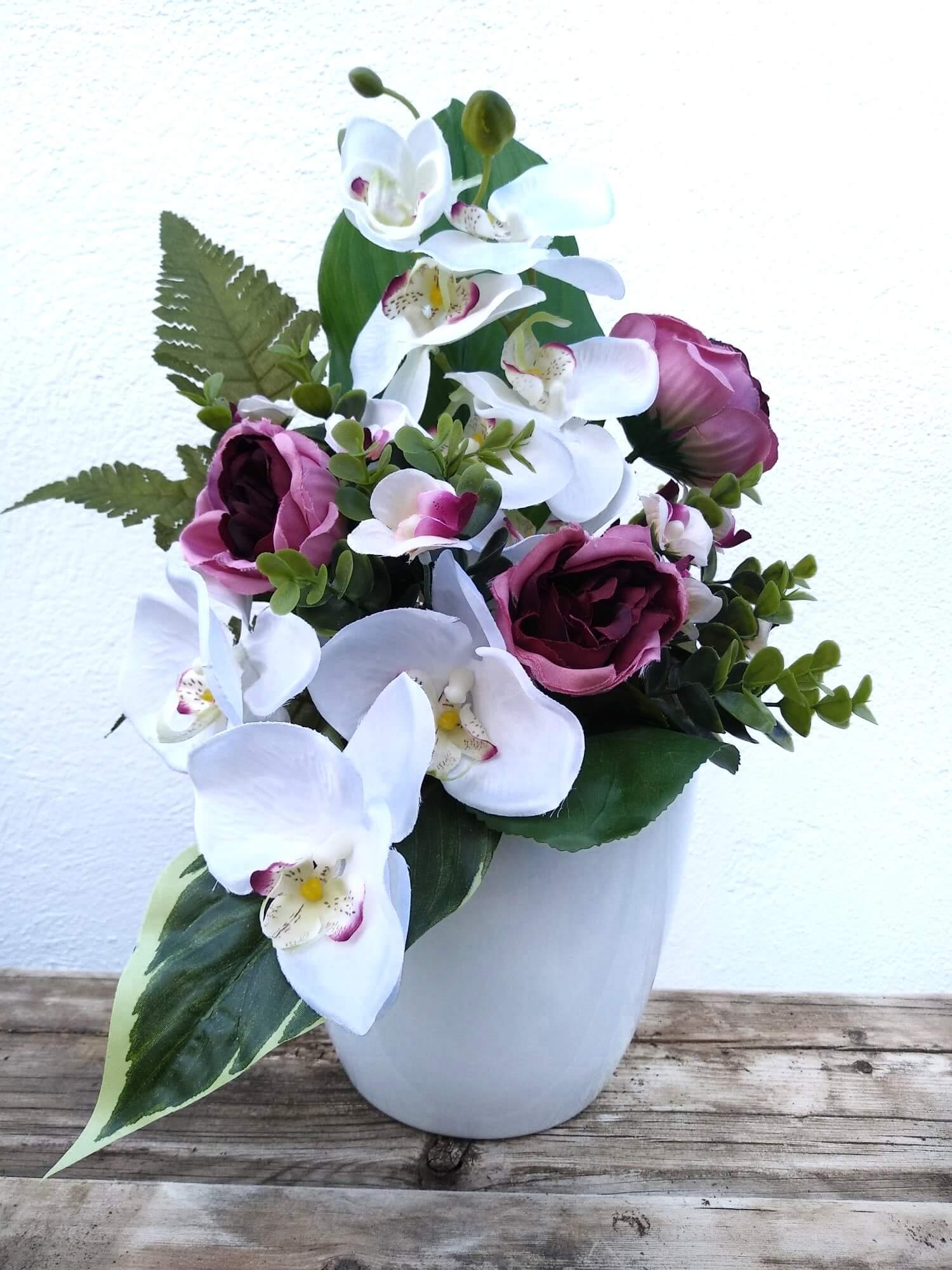 Flores artificiales RAMO PHALAENOPSIS Y RANÚNCULOS
