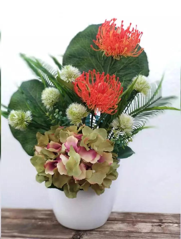 Ramo Hortensia verde y Spider naranja