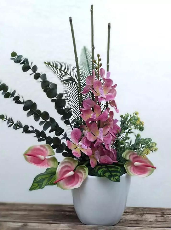 Flores artificiales orquidea y anthurium