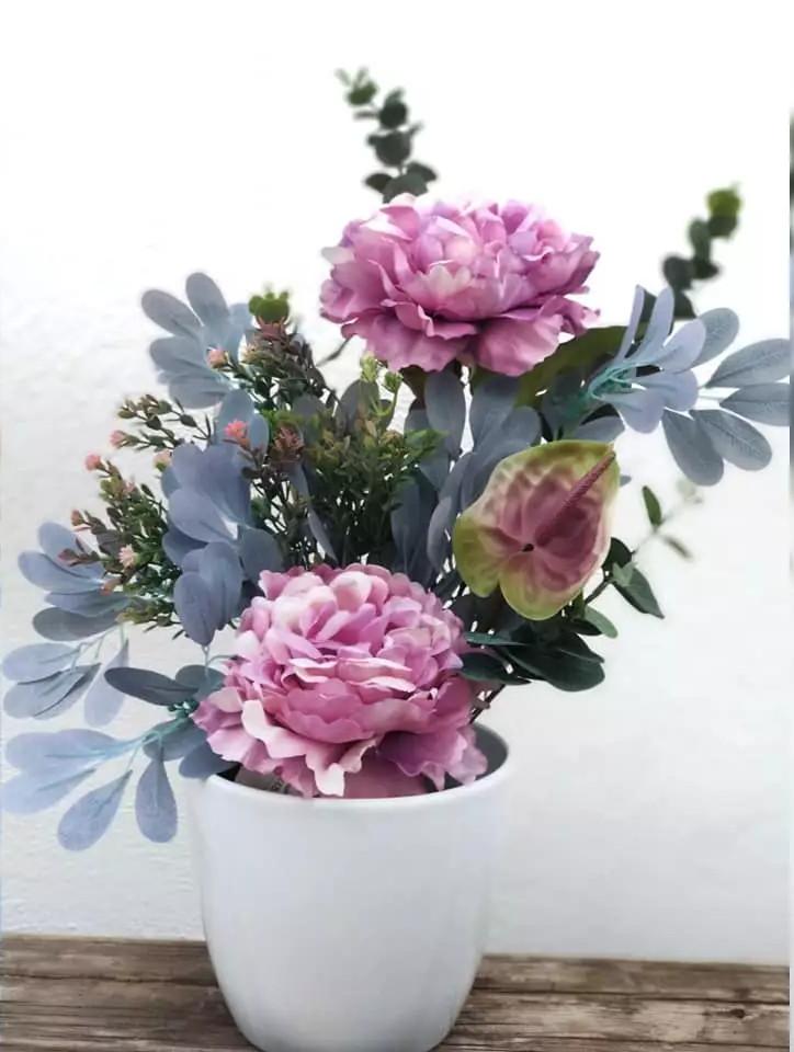 Ramo flores artificiales de Petunia y anthuriun