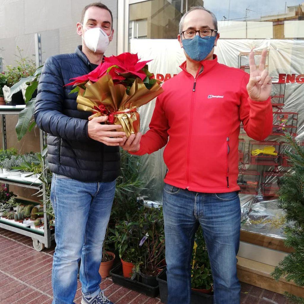 Ganador sorteo navidad 2020 una poinsettia para Andreu del blog necesitamosviajar